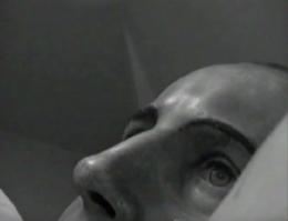 Dobry artysta to martwy artysta, 2003,wideo: 00:07:46, loop ed. 3 + 1 A.P., edycja 1/4